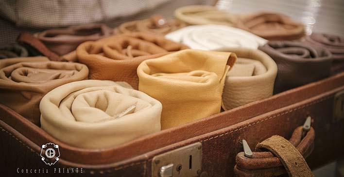 maleta com vários tipos de couros dentro feitos pela Conceria Priante